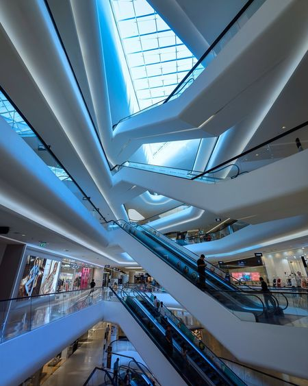 Indoors  Modern Ceiling Architecture Real People Built Structure Transportation Lifestyles Steps And Staircases Men Public Transportation Women Technology Illuminated Large Group Of People Group Of People Day City People EyeEmNewHere