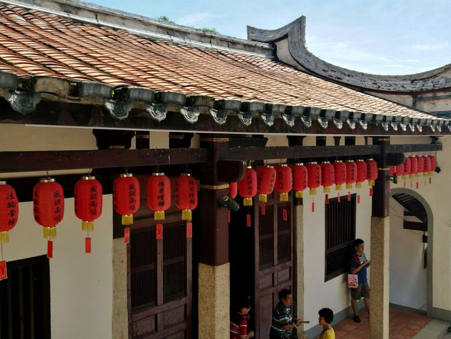 Taoism temple Red Architecture Building Exterior. Cultures Chinese Lantern Tradition Incense Spirituality Joss-sticks Architecture Lantern Buddhist Temple Temple Of Heaven Worshipping Place Of Worship Tradition Buddhist