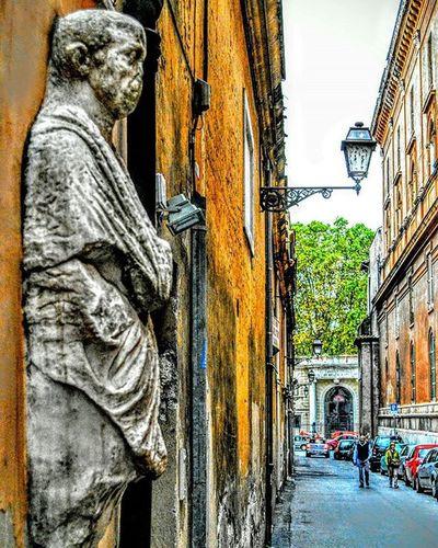 """""""Backstreet Guardian"""" Rome Rome Fb Architecture Statue Backstreet Repostromanticitaly Italy Italia Lazio Italianarchitecture Romano"""