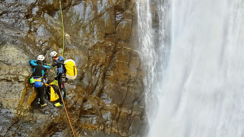 Teamwork Teamwork👍 Courage👍 Bravery Intrepid Explorer Abseiling Waterfall Trip Waterfall Mist Adventure Buddies Water_collection Despite The Odds People And Places