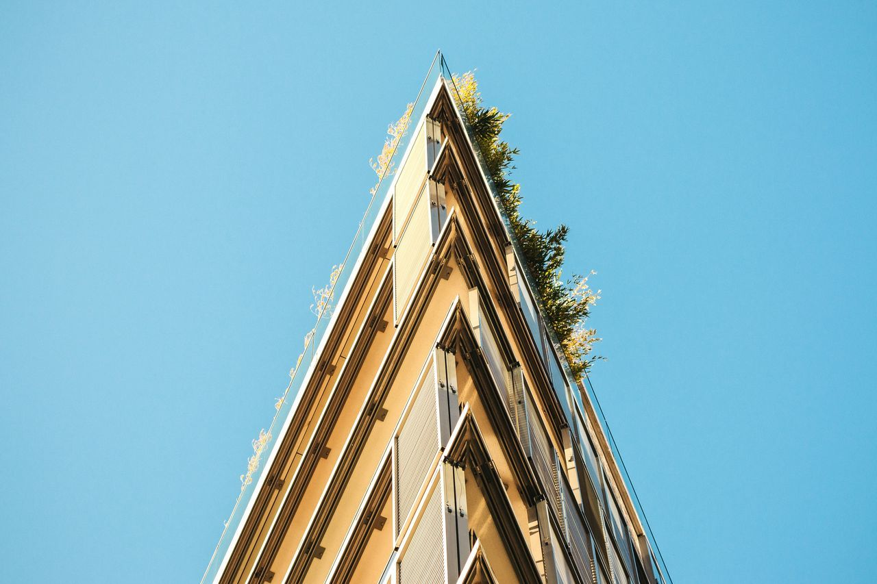 clear sky, architecture, building exterior, built structure, low angle view