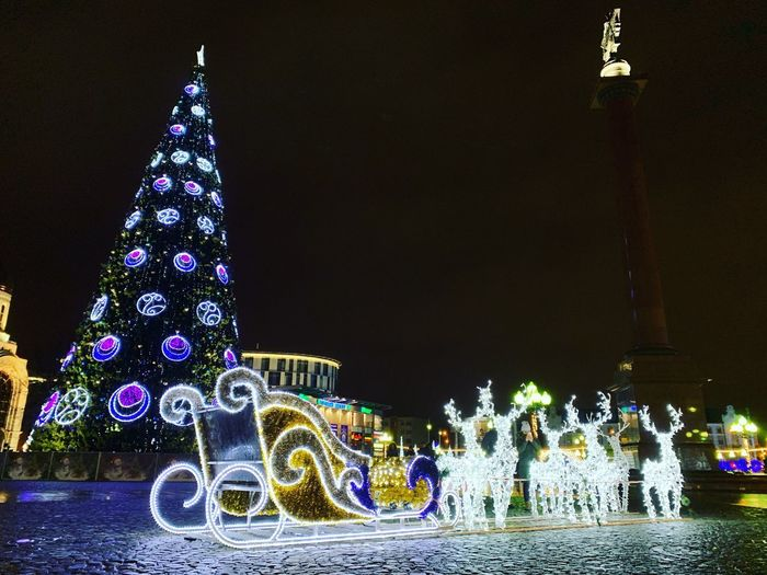 Decoration Illuminated Night Christmas christmas tree Architecture Christmas Lights Lighting Equipment Celebration Building Exterior Built Structure Event Christmas Decoration Celebration Event Tree No People Nature Holiday - Event Clear Sky Holiday