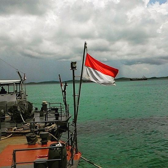 Merah Putih at KRI SRE 386 Indonesianmilitary Indonesiannavy Krisre Merahputih IMSS Pt  .utamatirtasolusi