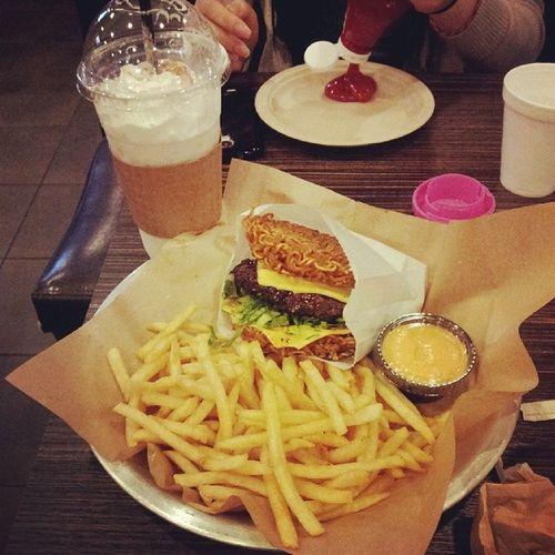 Ramen burger n horchata frappe. Latenighteat