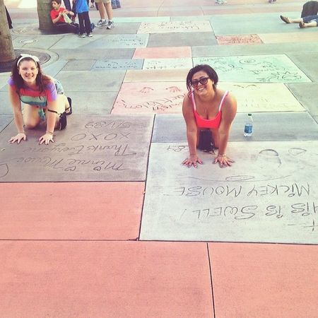 Mickey & Minnie's handprints ? @drewannn_jaundoo_