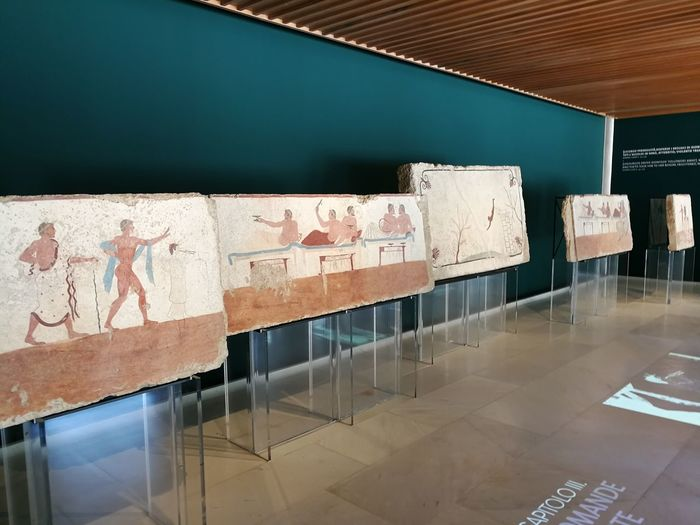 No People Indoors  Wall - Building Feature Art And Craft Architecture Day Sunlight Table Representation Seat Absence Museo Archeologico Nazionale Di Paestum Museo Archeologico Museo Lapidi Tuffatore Interno Esposizione Archeology Capaccio Reperti Archeologici Marmo Tombe Cilento