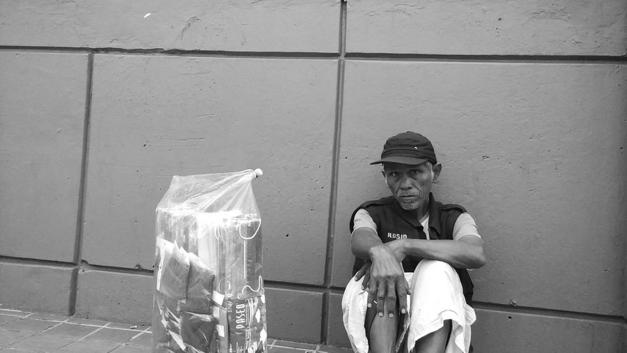 Very Tired and Depressed People JakartaStreet Blackandwhitephotography Mi4iphotography Streetphotography Urban Lifestyle Streetments Jakarta Humaninterst Urban Life Urban Streetpohotos Eyeemindonesia Streetpotrait Photography INDONESIA