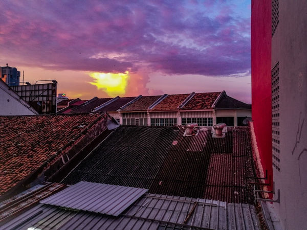 Today Story #todaystory #EyeEmNewHere #eyemnew #Newbie #JustMe #Chill #penang #malaysia #eyeemphotography #eyeemmalaysia #georgetown Sky Built Structure Architecture Cloud - Sky Sunset Building Exterior Outdoors Roof Shades Of Winter EyeEmNewHere An Eye For Travel