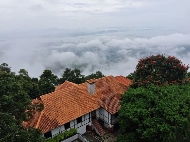 Cloud - Sky Scenics Beauty In Nature Nature Tranquility Sky Cloud Bungalow House Penang Hill Hilltop Green Lush Tree Bridge Background Sea And Sky Sea Check This Out Weekend Travel Hometown