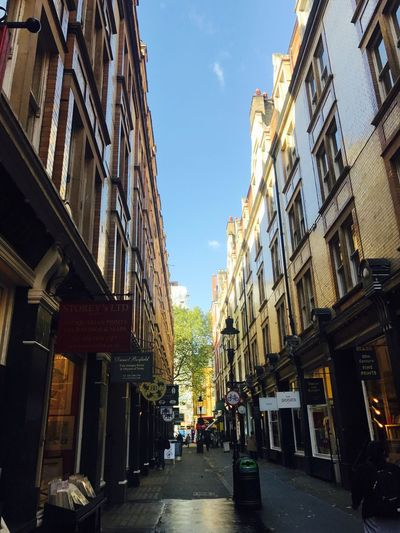 Architecture Building Exterior Built Structure Street The Way Forward Day Sky City Residential Building Outdoors Road No People Unseen London London