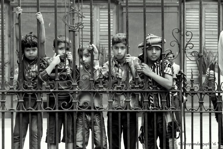 Children Lost Childhood Caged Freedom Waiting For Life Blackandwhite Photography Canonphotography 700D Streetphotography Incredible India Instagood Instadaily Instalike Like4like Follow4follow First Eyeem Photo Pastel Power