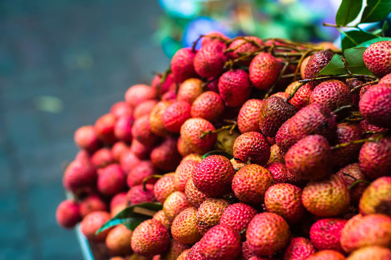Lychee Abundance Arrangement Choice Close-up Collection Day Focus On Foreground Food Food And Drink For Sale Freshness Fruit Group Of Objects Large Group Of Objects Lychee Red Repetition Retail  Selective Focus Variation Vibrant Color