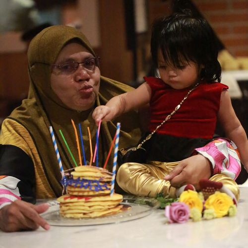 EyeEm Selects Two People Indoors  Real People Togetherness Food And Drink Sweet Food Food Front View Birthday Cake Celebration Sitting Girls Childhood Boys Bonding Day Close-up Ready-to-eat Freshness People Nenek grandmother Grandmother Granddaughter Cucù