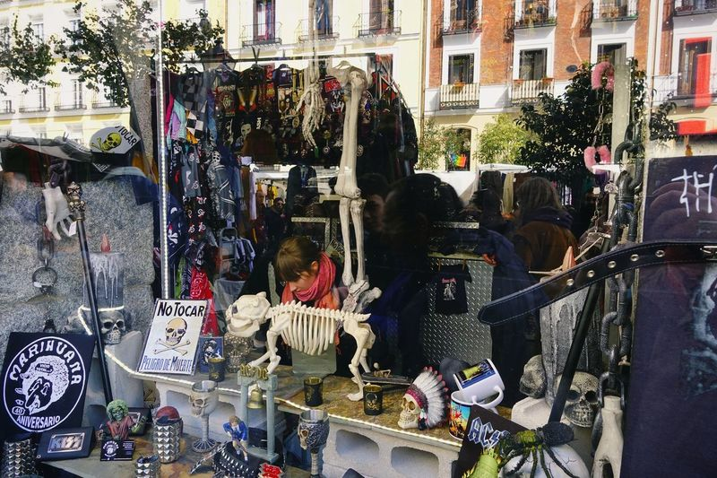 Fun Madrid Rastro Reflection Rock SPAIN Tourist Attraction  Acsessory Buying Choice City Decoration For Sale Large Group Of Objects Lifestyles Marijuana Real People Retail  Retail Display Rock Music Sale Shopping Store Store Window Variation