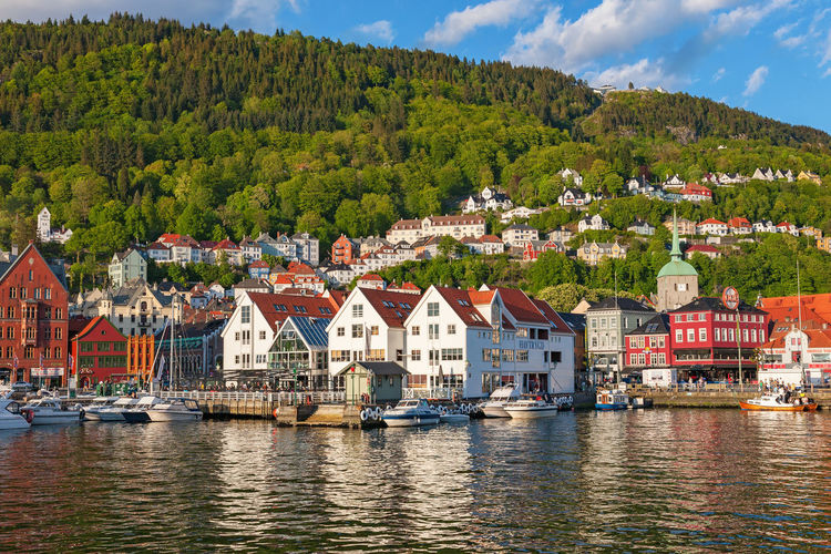 View of the port of the town of bergen with the mountain in norway