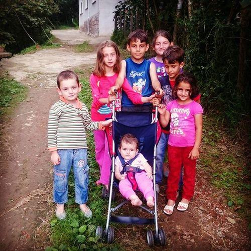 Köyümüzün Tatlı  Ve Güzel Çocukları Türkiye Trabzon Surmene Dirlik Koyu