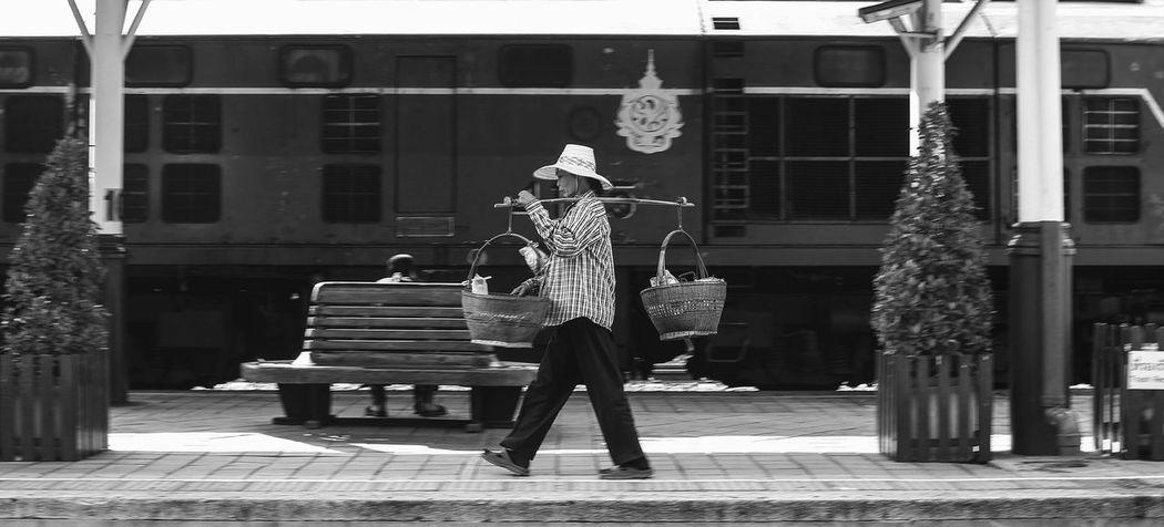 Train Station Train Women Candid Photography Khonkaen Snapshot Streetphotography Shopkeeper Street Trader