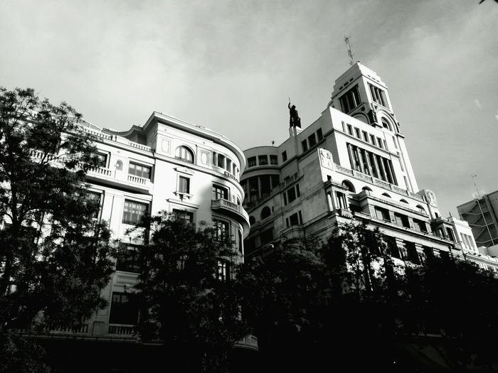 Pongamos que hablo de Madrid Urban Landscape First Eyeem Photo Cityscapes Arquitecturestyle Arquitectura Hacia El Cielo Arquitecture_bw Eyeemmarket CirculoDeBellasArtes