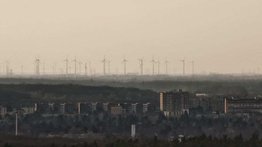 Berlin und drüber hinaus 🌆👀 High Angle View Jwd Berliner Ansichten Berlin Photography Sundown City Wind Turbine Industry Wind Power Fog Factory Power In Nature Water Business Finance And Industry Alternative Energy Renewable Energy