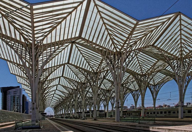 Estação do Oriente Lisboa Portugal 2008 East Station Lisbon Portugal Estação Do Oriente Lisboa Portugal Gare Do Oriente Lisboa Portugal Ost Bahnhof Lissabon Portugal Santiago De Calatrava Architecture Transportation