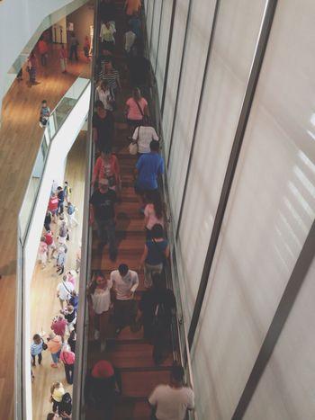 Artpize! Art Museum Travel Crowd