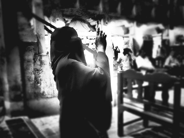 Doha Doha,Qatar Hijab Hijabstyle  Hijabfashion Taking Photos Taking Photos Of People Taking Photos Blackandwhite Blackandwhite Photography Souk Abaya And Hijab Times Abaya Qatar Doha Qatar Hijabers Hijab Style Hijabselfie Black And White Black And White Photography Streetphoto_bw Streetphotography Street Photography Fine Art Photography