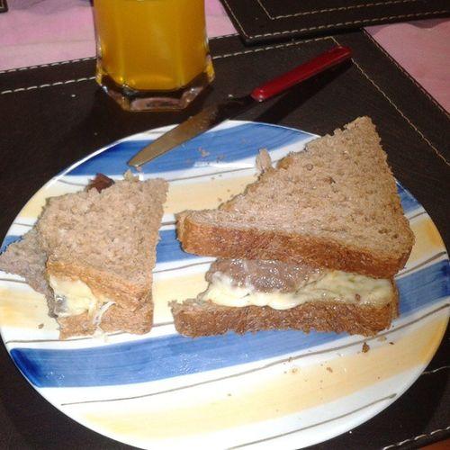 Hamburguesa con Queso en PanIntegral *-*