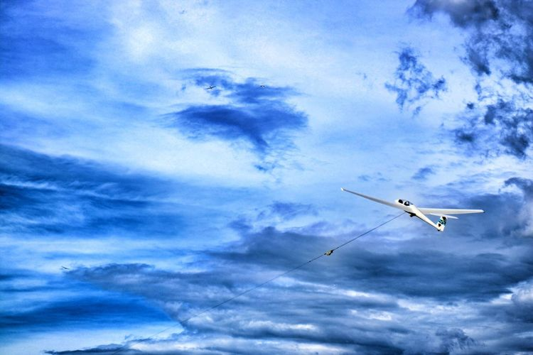 Glider Japan Photography Tadaa Community Hello World Flying Airplane Sky Airshow Transportation Cloud - Sky Mode Of Transport