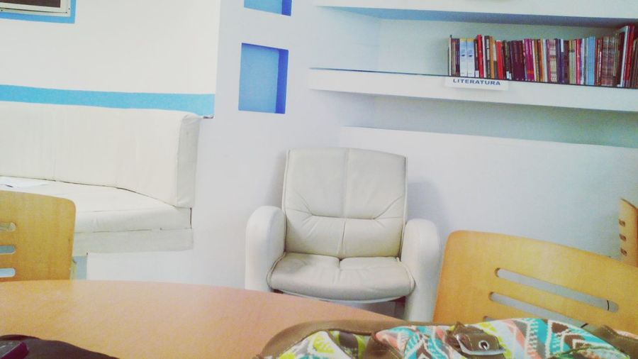 Biblioteca :3