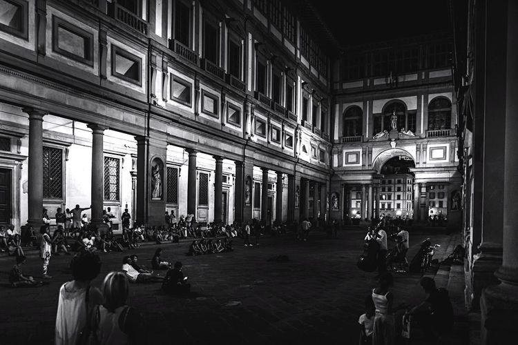 Live Music Large Group Of People Architecture Built Structure Building Exterior Real People Travel Destinations Men Travel Women Crowd Day City Outdoors People Adult Adults Only Uffizzi Gallery Uffizzigallery Italy Florence Firenze