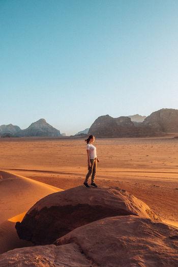 Lost in the desert / wadi rum jordan
