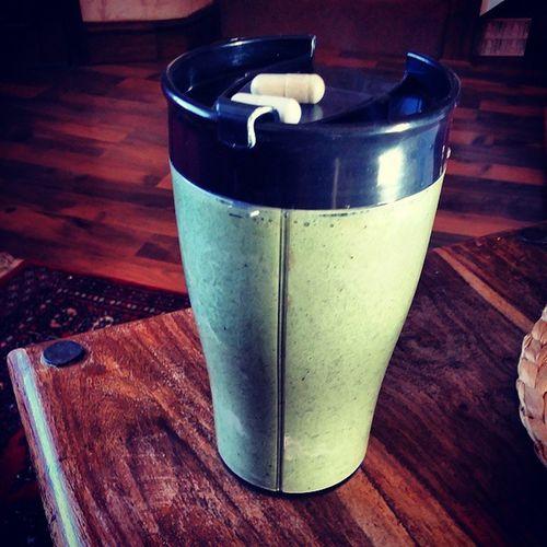 Day 1: Kiwi and Kale smoothie Kiwi Kale Banana Proteinworld training weight loss muscle gain super saiyan goal