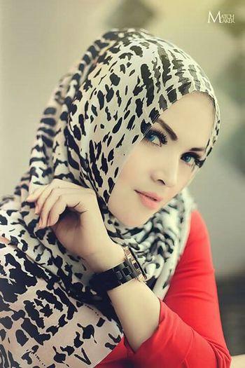 Taking Photos Photography Popular Photos Photomodel Photooftheday Photoshoot Hijabhphoto Hijabbeauty Matchmakerpicture Ohmdenphotography