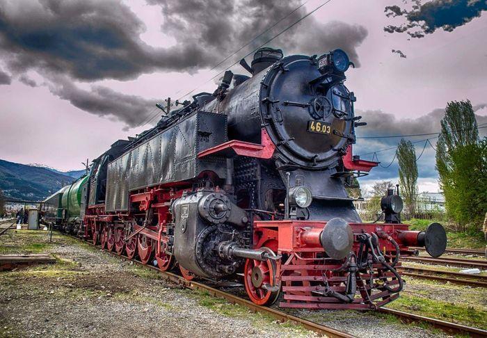 Влак Булгария Travel туристические Train Lokomotive Lokomotivführer Lokomotiva Lokomotywa Trainphotography Train Tracks Train_of_our_world Trainportal Train Platform