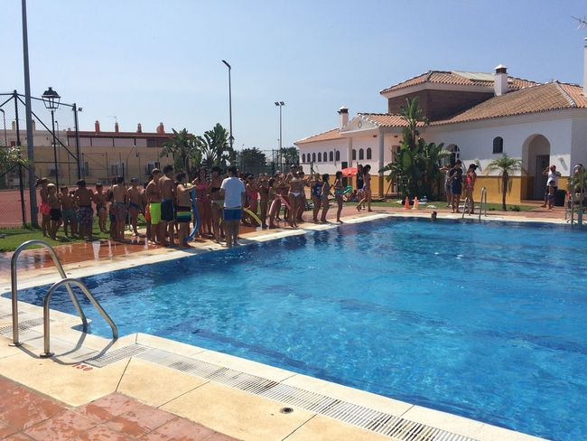 Pool fun and games at the Cancelada Feria