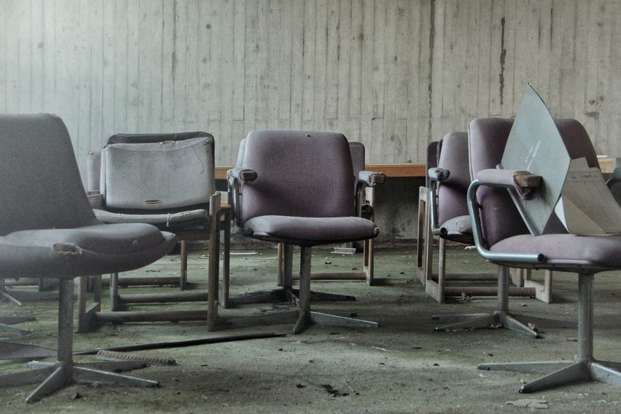 | Abandoned | I Luoghi Dell'abbandono Travel Photography Seat Office Chair Furniture Folding Chair Chair Armchair Table Close-up Deterioration Obsolete Abandoned Damaged Ruined Interior The Still Life Photographer - 2018 EyeEm Awards The Architect - 2018 EyeEm Awards The Traveler - 2018 EyeEm Awards The Creative - 2018 EyeEm Awards Creative Space