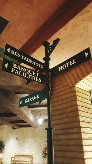 Signpost Arrows Pointing The Way Signs Directional Sign Brick Column Neutralshades