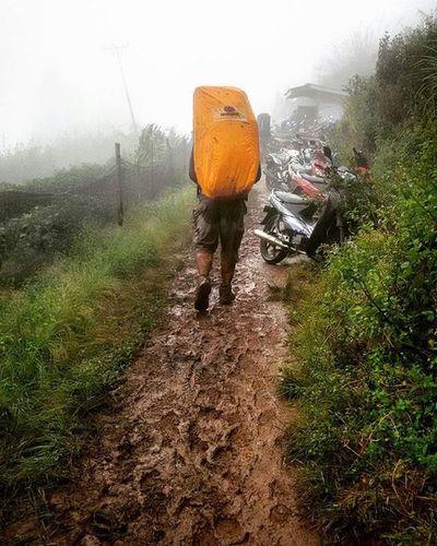 Repost from ( @ahmadiwansaputra ) . . . . . Karna bahagia yg sesungguh nya adalah kembali pulang 😂😂 . . . . . Singgalang Singgalangmountain GunungSinggalang 2877mdpl Mtsinggalang Sumbarrancak Sumbar_rancak Sumbar_oke Sumbarnesia ExploreSumbar Jelajahsumbar ExploreMinang Minangrancak Rancakbana Paimalala Adventure_sumbar Ipg_sumbar Udaunipajalan Malalamen Id_pendaki Instapendaki Pendakigunung Pendakiindonesia Pendakiceria Mtma_padang instagunung gunungindonesia