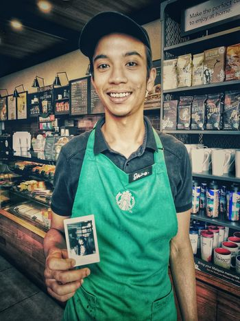 Store Portrait Smiling Retail  Consumerism Looking At Camera Happiness Lifestyles Huaweimobile Huawei P9 Photos Huaweiphotography HuaweiP9Photography Huawei Photography Huawei P9. Huawei P9 Leica Huawei P9 Plus Youyida City Life Close-up Starbucks Coffee Starbucks Starbucks ❤ Starbucks! Starbucks <3 Starbuckscoffee