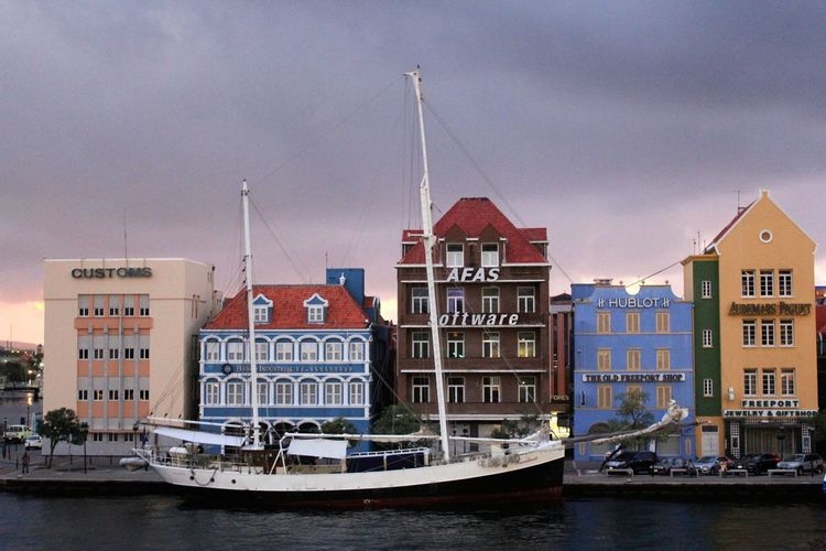 Willemstad is waking up in the early Morning 2013 Journey Caribbean Island Caribbean Love ❤ Caribbean Life Cityscape Waking Up Architecture Building Exterior Built Structure Caribbean Caribbean City Caribbean Cruise Caribbean Cruise Ports City Cloud - Sky Day Early Morning Nature Nautical Vessel No People Outdoors Sky Travel Blog Water Waterfront