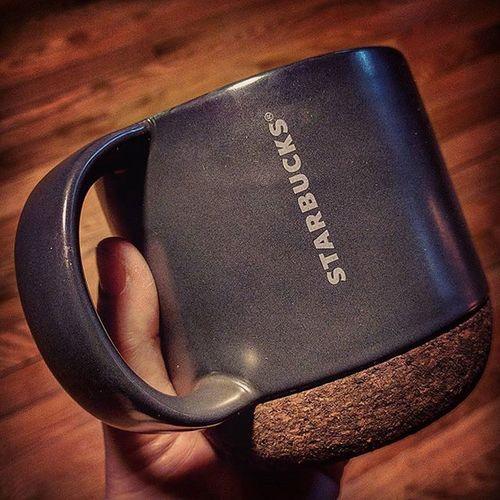 New cup, thanks @starbucks! Starbucks Newcoffeemug Coffee Cork Grey Bigcup Starbucksmug Wakemeup Nexus6P Smartphonephotography Lazysunday