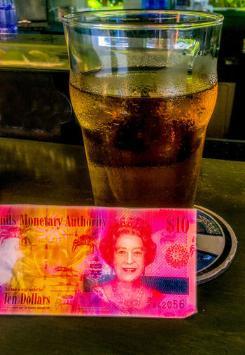 Queen Lizzie Queen Elizabeth  Alcohol Bar Beer Mug Cayman Islands Cayman Islands Money Drink Drinking Glass Five Dollars Food And Drink Glass Glass - Material Lager Money Non-alcoholic Beverage Pint Glass Pint Of Beer Refreshment Still Life Transparent