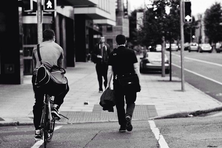 streets afternoon, grain version EyeEm Best Shots - Black + White EyeEm Best Shots - The Streets Randompeople Taking Photos