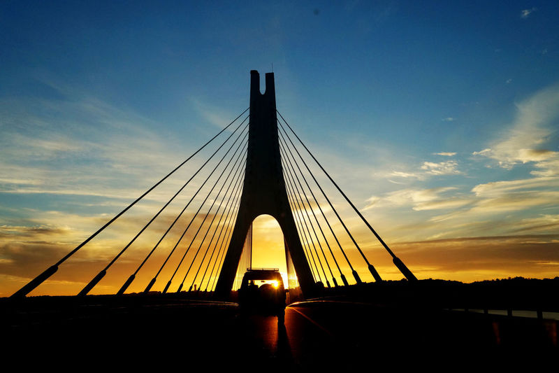 Sunset on a bridge on the Algarve Algarve Portugal Travel Architecture Bridge - Man Made Structure Built Structure Car Cloud - Sky Connection Lisbon Outdoors Silhouette Sky Summer Sunset Suspension Bridge EyeEmNewHere An Eye For Travel The Traveler - 2018 EyeEm Awards Summer Road Tripping