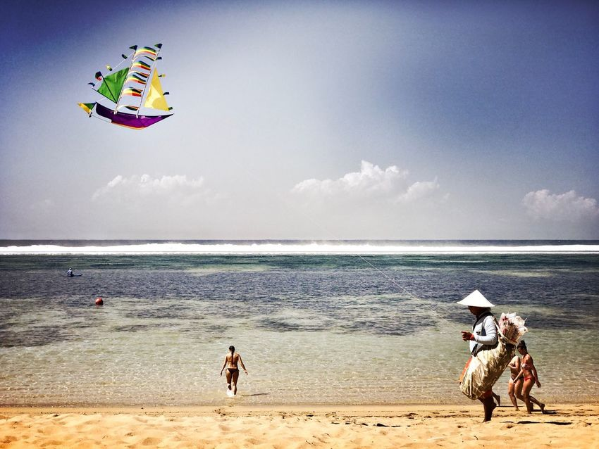 Bali Live For The Story Westinbeach Baliindonesia Indonesia_photography Kite Flying Kite Worldtraveler Photography Photographer ASIA Beachlife Beachlifestyle Beachphotography Sea And Sky
