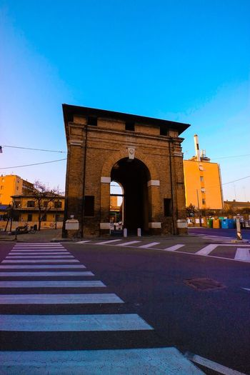 Architecture Built Structure Arch Triumphal Arch History Clear Sky Sky Travel Destinations Outdoors Building Exterior Sunset King - Royal Person City Day No People