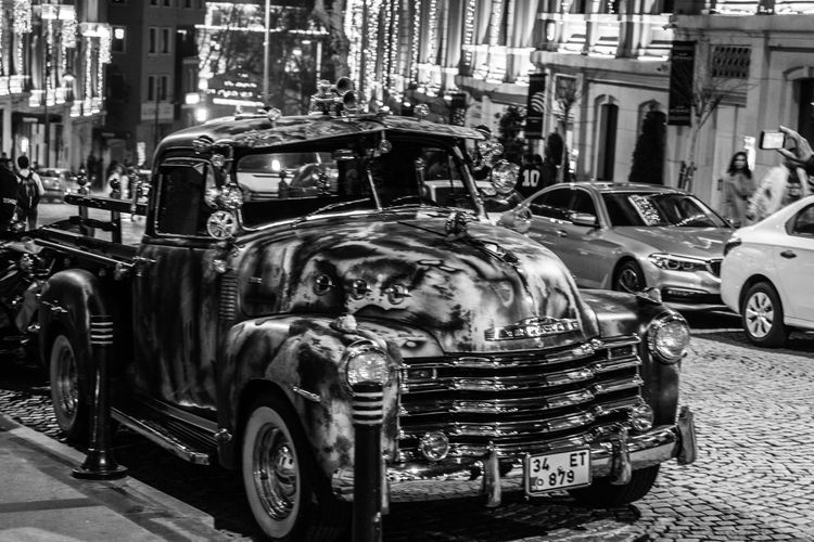 Car Mode Of Transport Land Vehicle Building Exterior Architecture No People Outdoors Antique Car Antique Building HotRod Hotrodcar Hotrod Photography Hotrod Car. Camuflage Beşiktaş ıstanbul Türkiye Istanbulstreetphotography