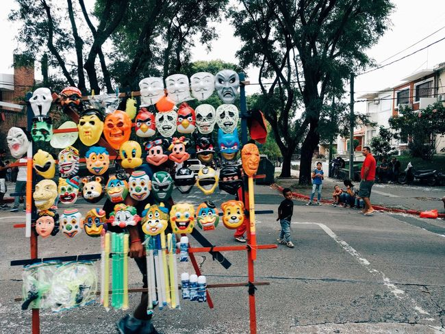 Máscaras Day Outdoors Tree No People Multi Colored Close-up Travel Destinations Foto Photooftheday Photo Streetphotography