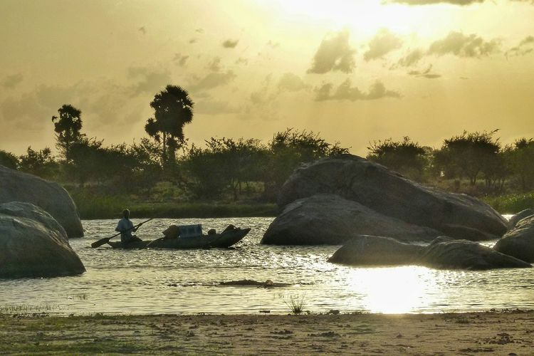 Sri Lanka Traveling Boats Arugambay Landscapes With WhiteWall The Great Outdoors With Adobe People Of The Oceans