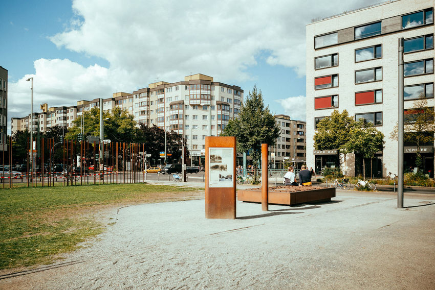 Berlin Wall Memorial Berlin Wall City Cityscape Historical Monuments Memorial Sightseeing The Street Photographer - 2018 EyeEm Awards The Traveler - 2018 EyeEm Awards Urban Geometry Berliner Ansichten Building Building Exterior Built Structure City Cloud - Sky Day Historical History No People Plant Residential District Sky Street Streetphotography Urban